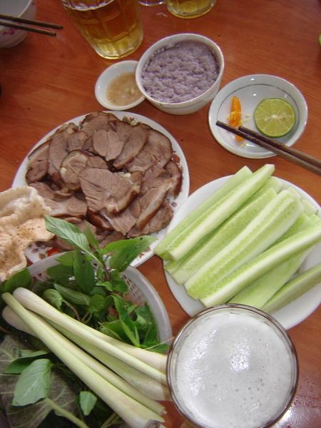 """10 """"nỗi kinh hoàng"""" của khách Tây về ẩm thực Việt Nam Thitcho2"""